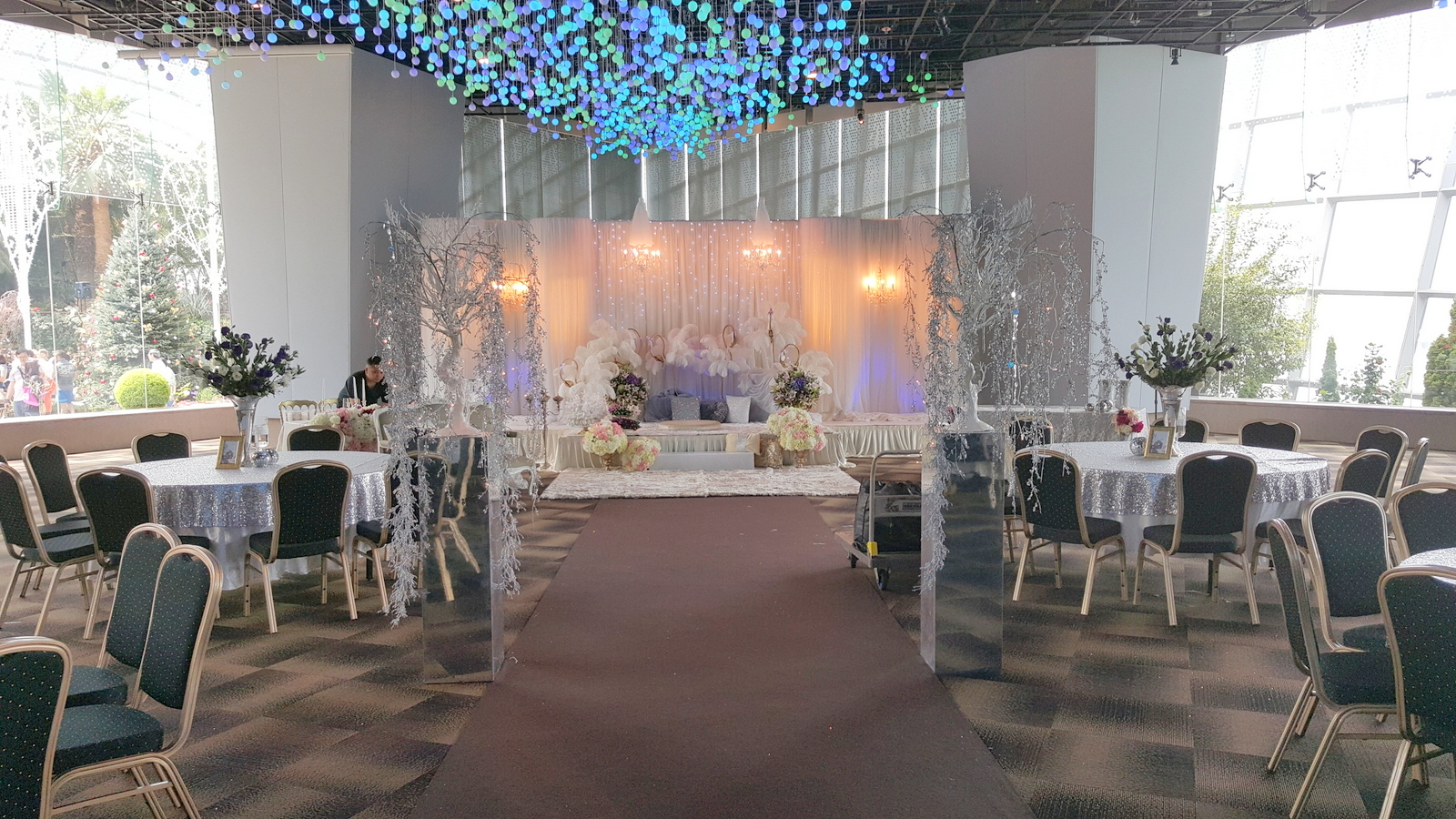wedding venue at flower field hall by gardens by the bay bridestorycom - Garden By The Bay Flower Field Hall