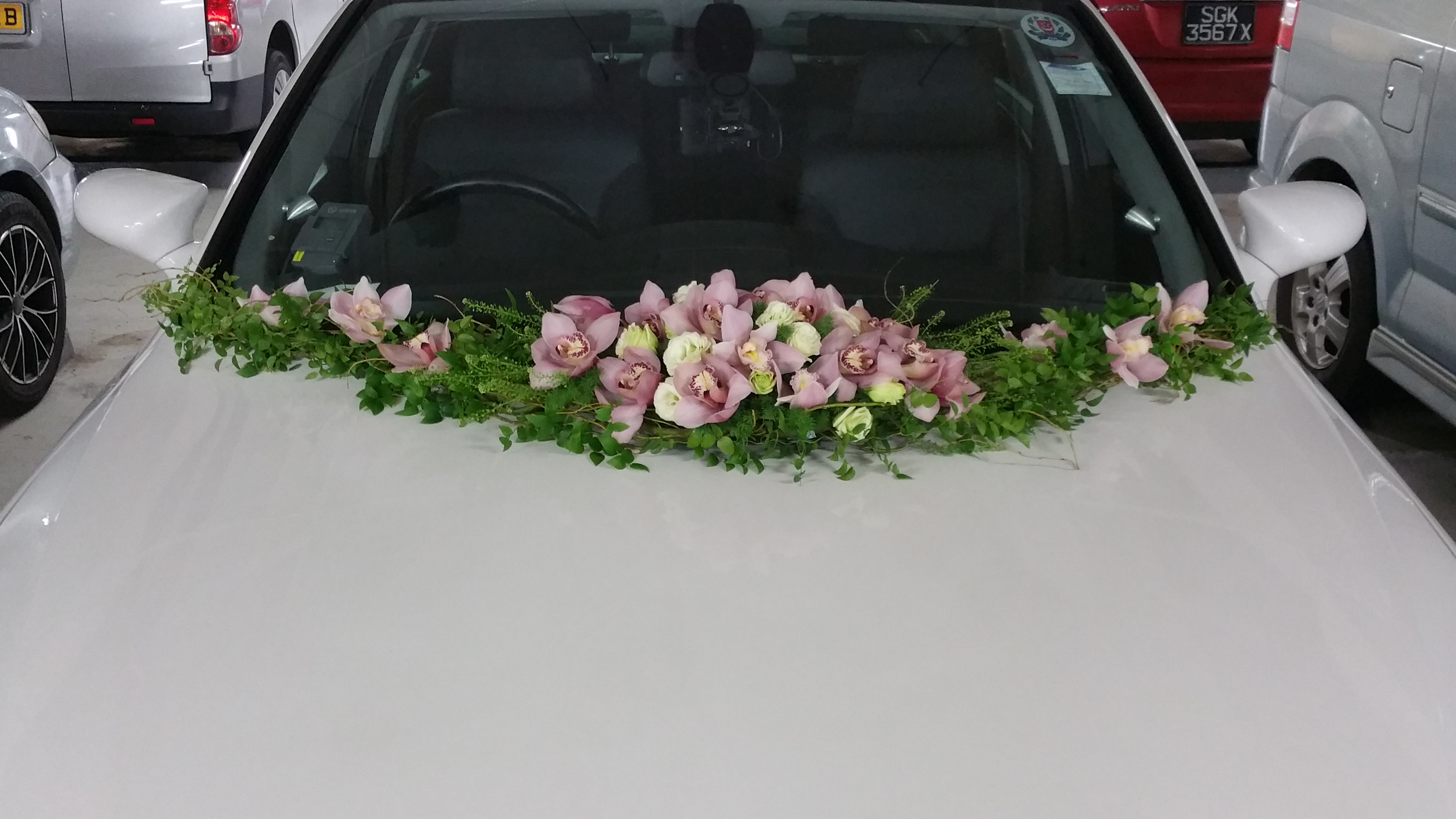 Wedding Car Decoration By Tree House Flowers Gifts Bridestory Com