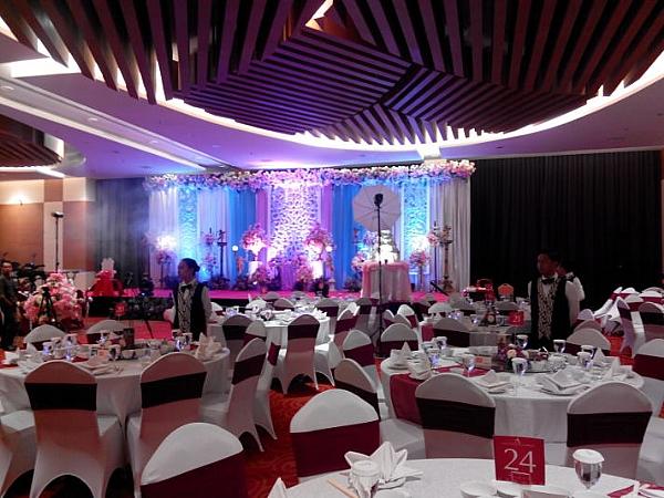 Ballroom decoration by atria hotel malang bridestory junglespirit Gallery