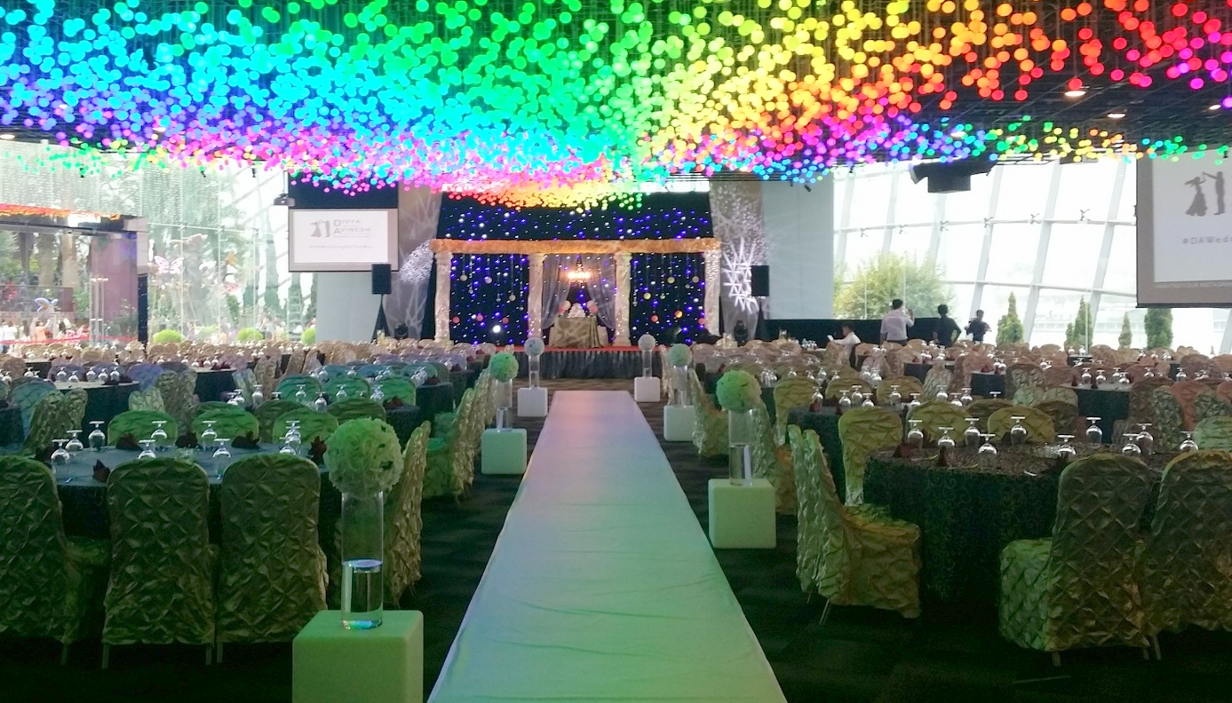 wedding venue at flower field hall by gardens by the bay bridestorycom
