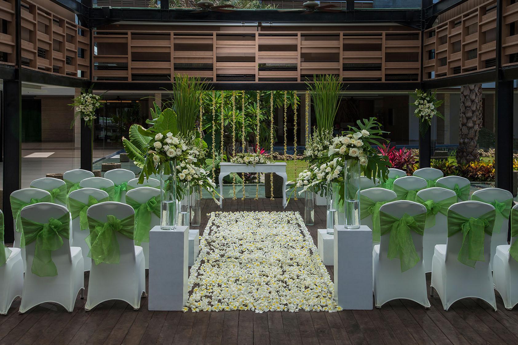 Garden Wedding by Courtyard by Marriott Bali Seminyak | Bridestory.com