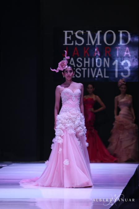 Albert Yanuar Wedding Dress Attire In Jakarta Bridestory Com