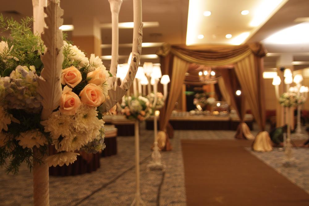 Gedung menara 165 wedding dresses