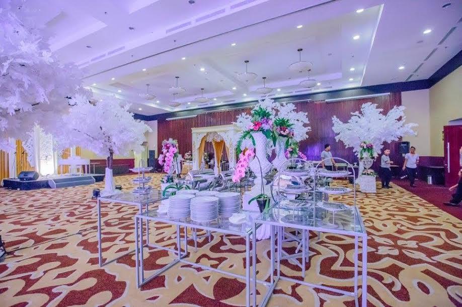 Aston bogor hotel resort wedding venue in bogor bridestory junglespirit Image collections