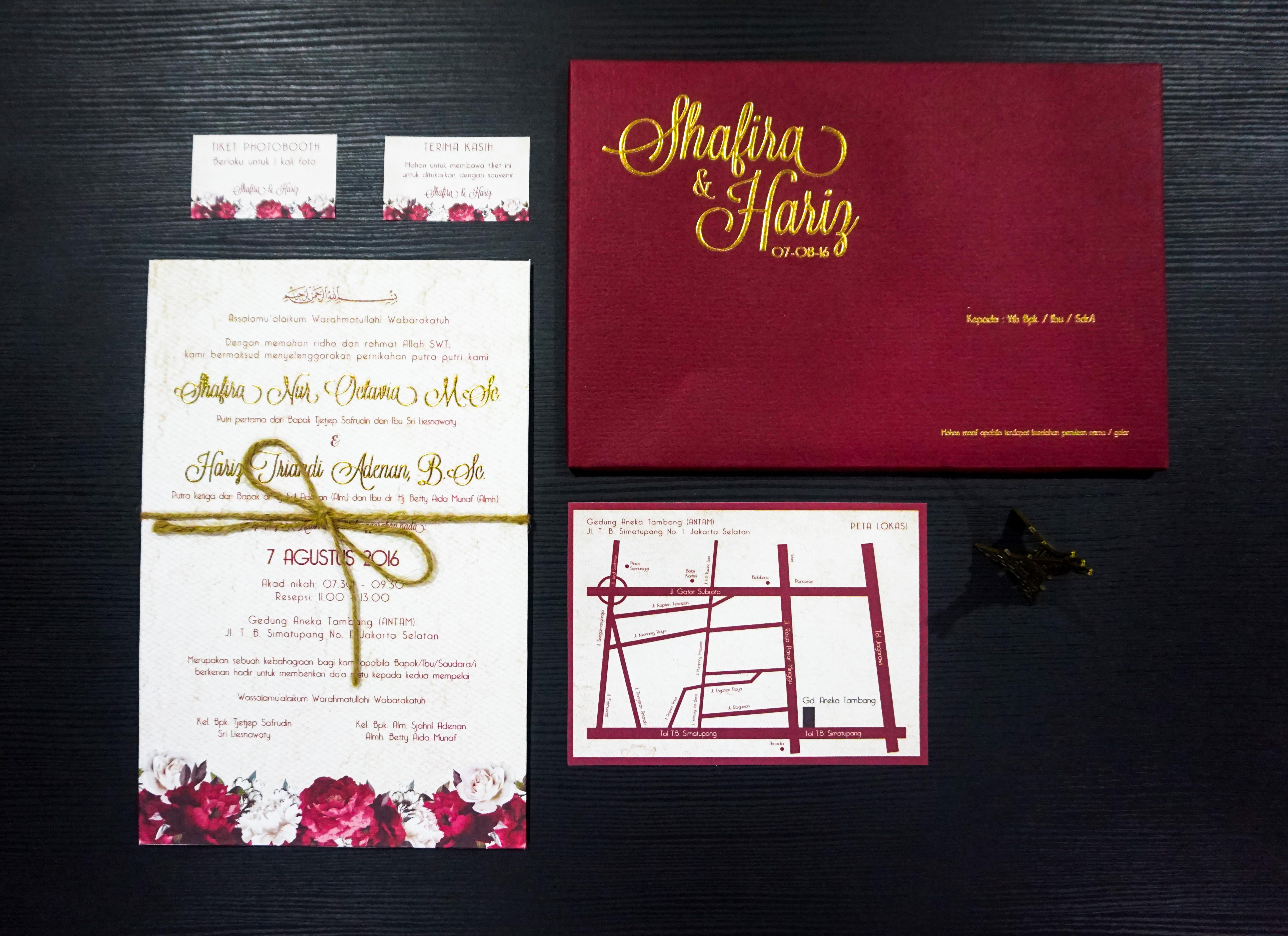 Single Board Invitation by Bubble Cards   Bridestory.com