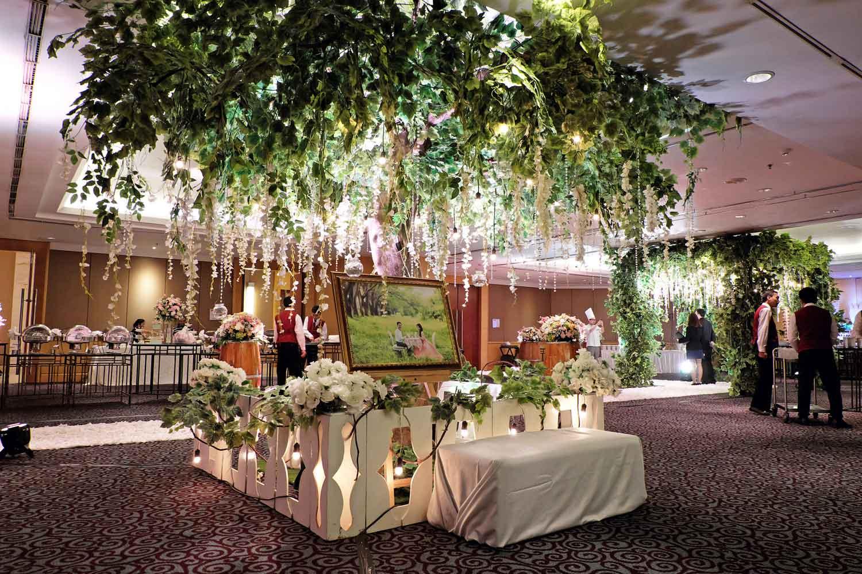 Directory of wedding decoration lighting vendors bridestory junglespirit Gallery