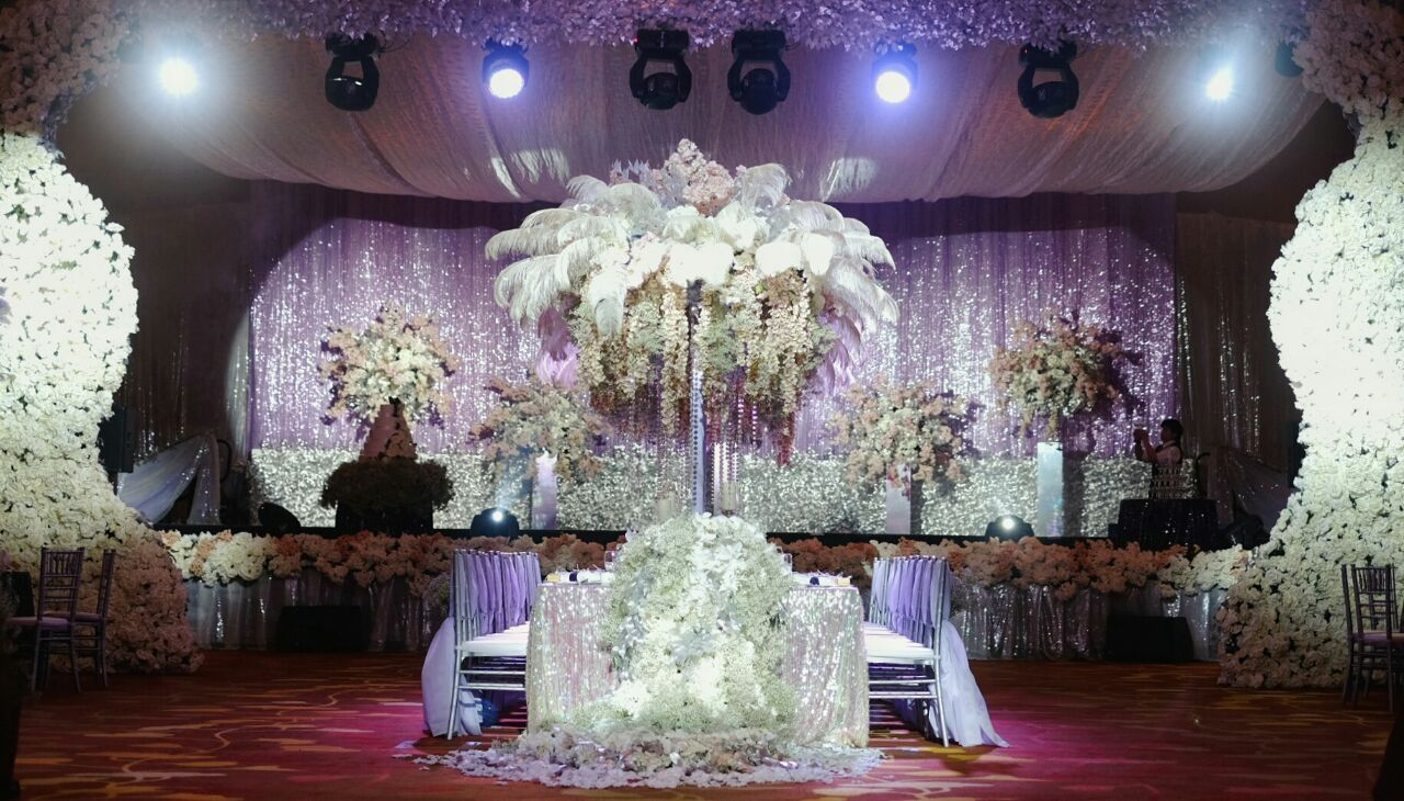Fantasy wedding by steve 39 s decor for Different types of wedding decorations