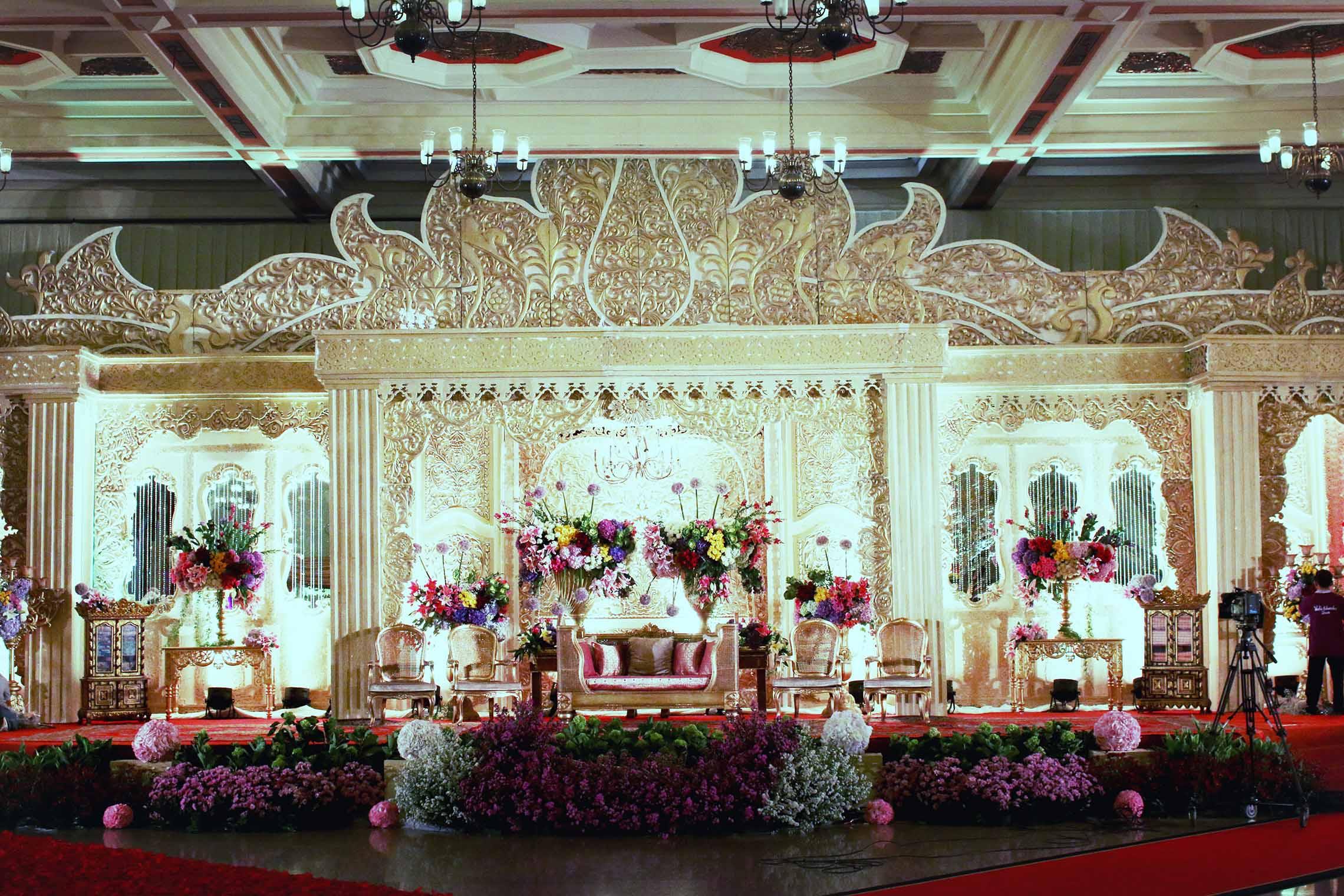 Watie iskandar wedding decoration organizer wedding decoration watie iskandar wedding decoration organizer wedding decoration lighting in jakarta bridestory junglespirit Choice Image