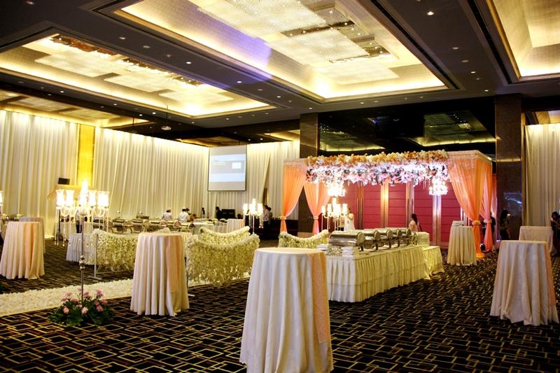 Wedding in ballroom by grand angkasa international hotel wedding in ballroom by grand angkasa international hotel bridestory junglespirit Gallery