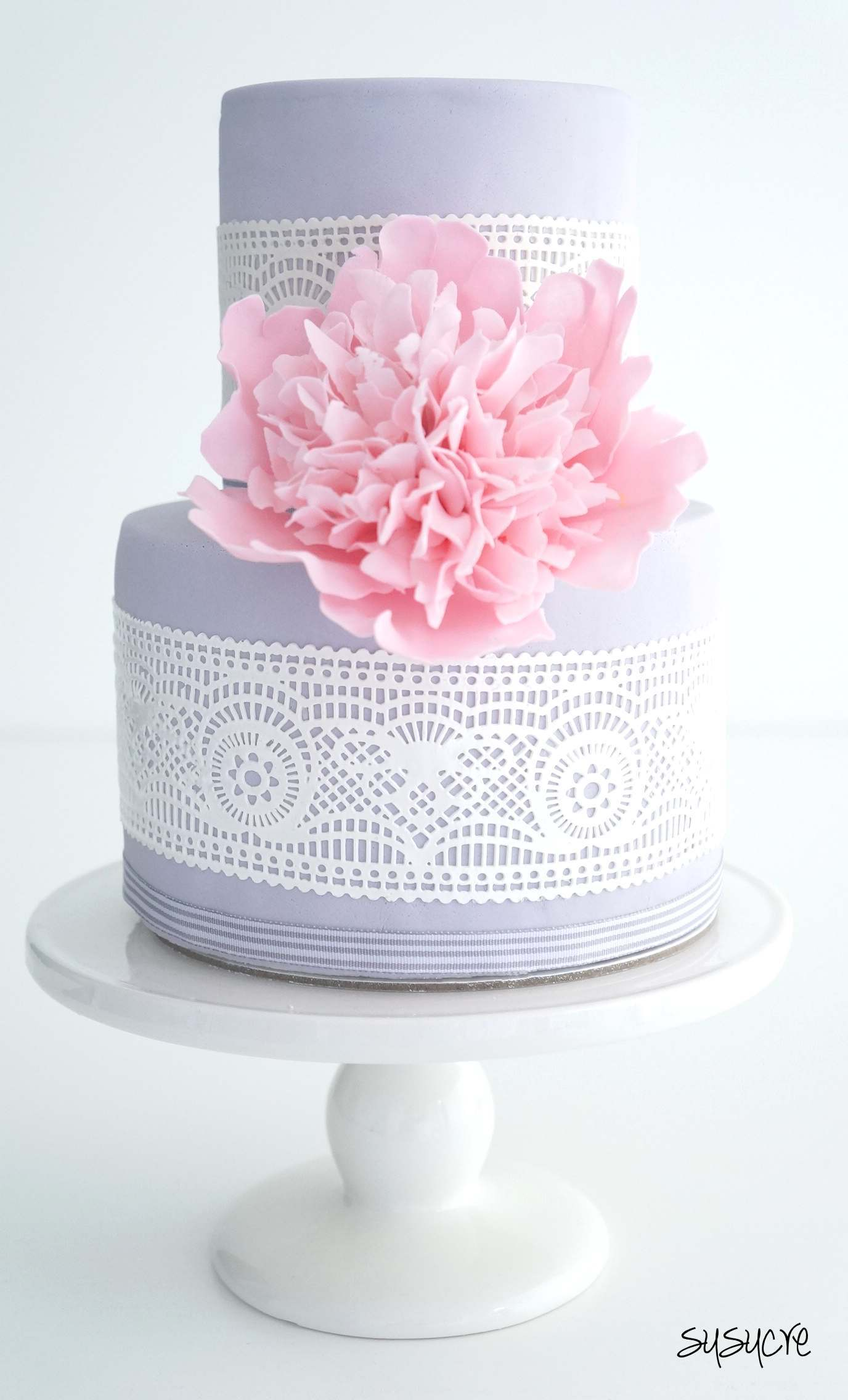Two-Tier Wedding cakes by Susucre Pte Ltd   Bridestory.com