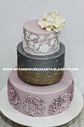 EIFFEL CAKE Wedding Wedding Cake In Jakarta Bridestorycom - Harga Dummy Wedding Cake