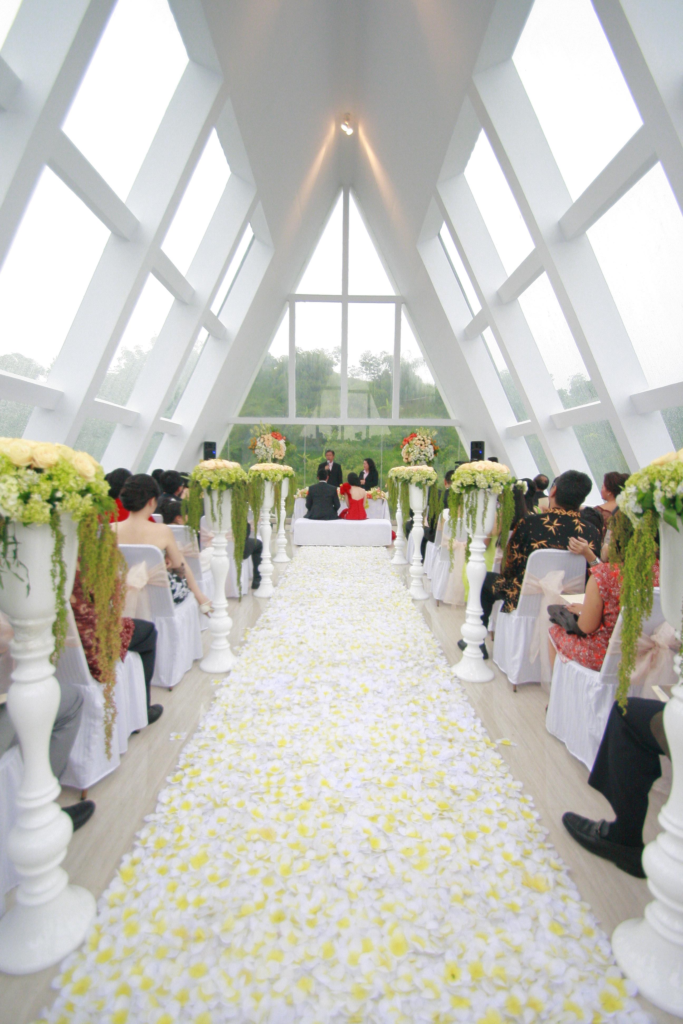 Chapel by green forest resort wedding bridestory junglespirit Images