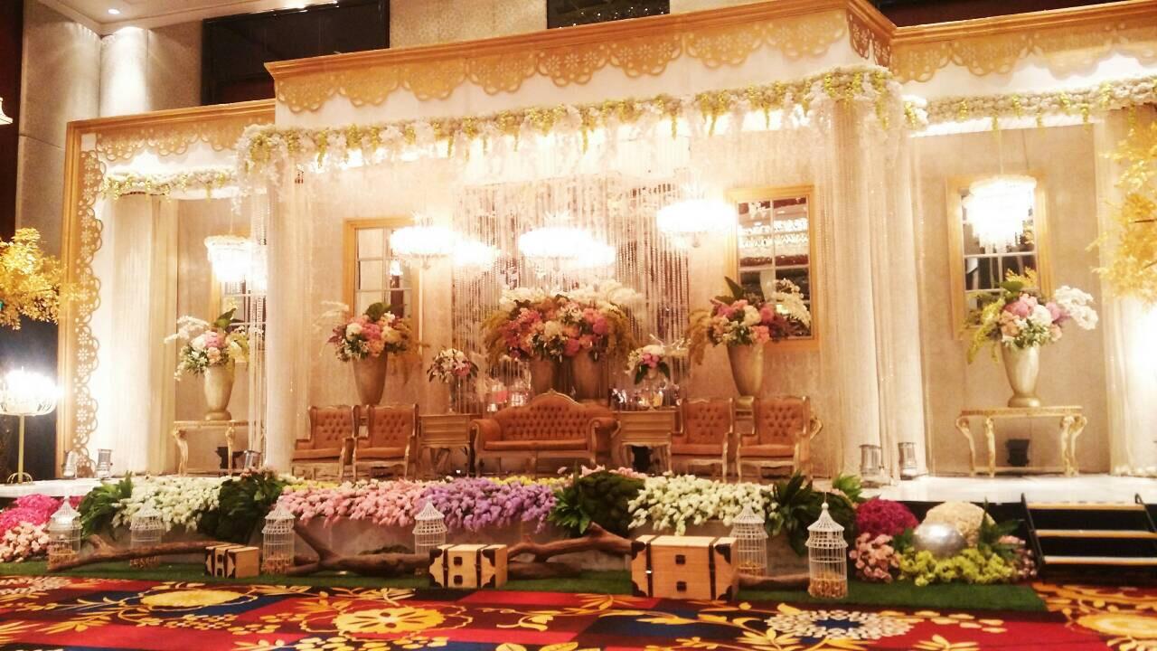 Mutiaralucky wedding by naura wedding organizer bridestory junglespirit Choice Image