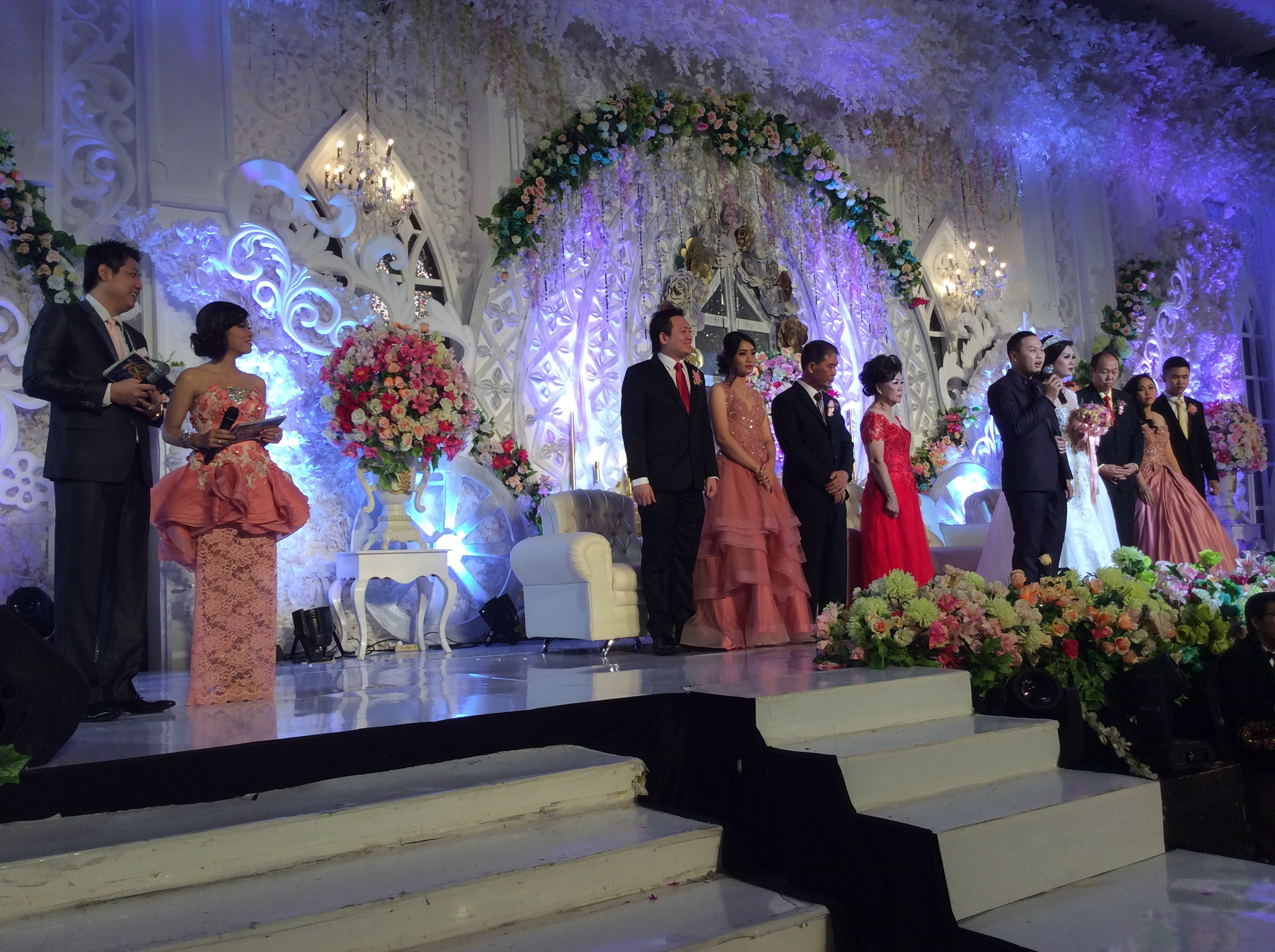 Outdoor wedding decoration semarang all the best ideas about marriage wedding decoration semarang image collections wedding junglespirit Images