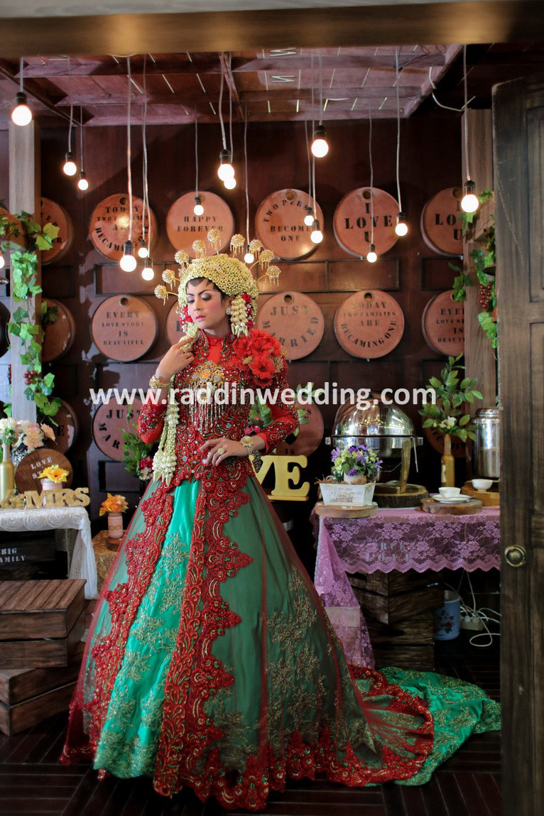 Raddin wedding wedding bridal in surabaya bridestory junglespirit Gallery