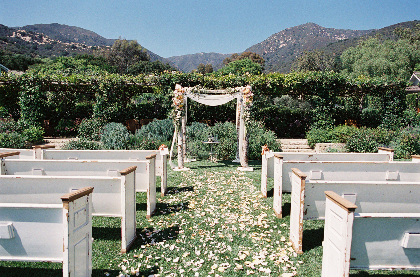 All You Need to Know About Wedding Decorations Image 13