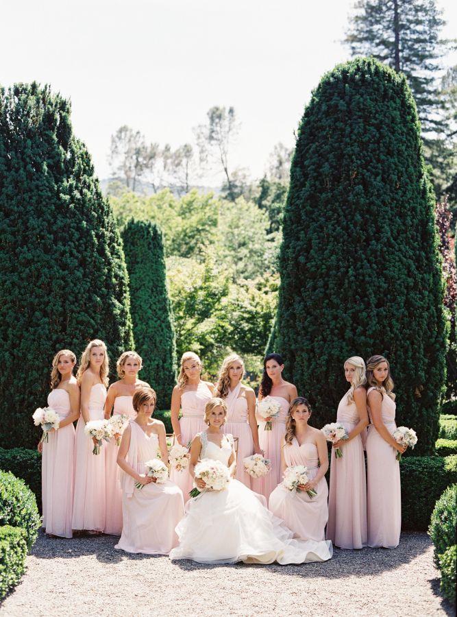 Checklist Foto Pernikahan: Momen Mempelai Wanita yang Wajib Dikenang Image 16