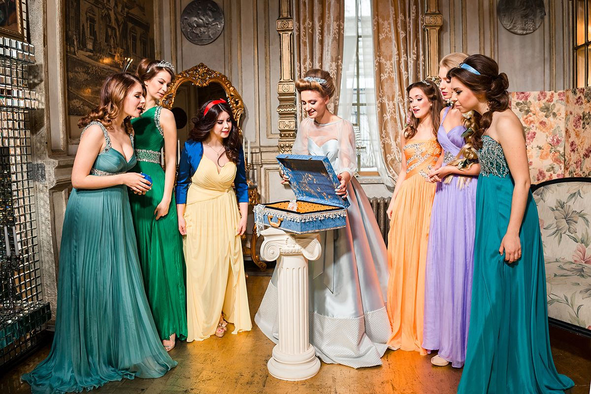 12 Unconventional Ways to Style Your Bridesmaids Image 3