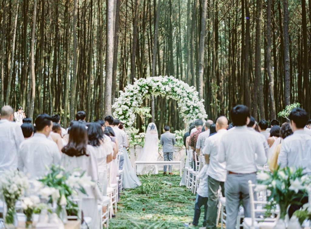 How to Throw an Exquisite Rustic Wedding Image 2