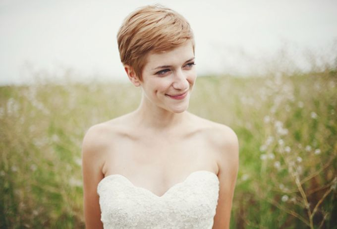 How to Choose the Right Hairstyle for Your Wedding Day Image 4