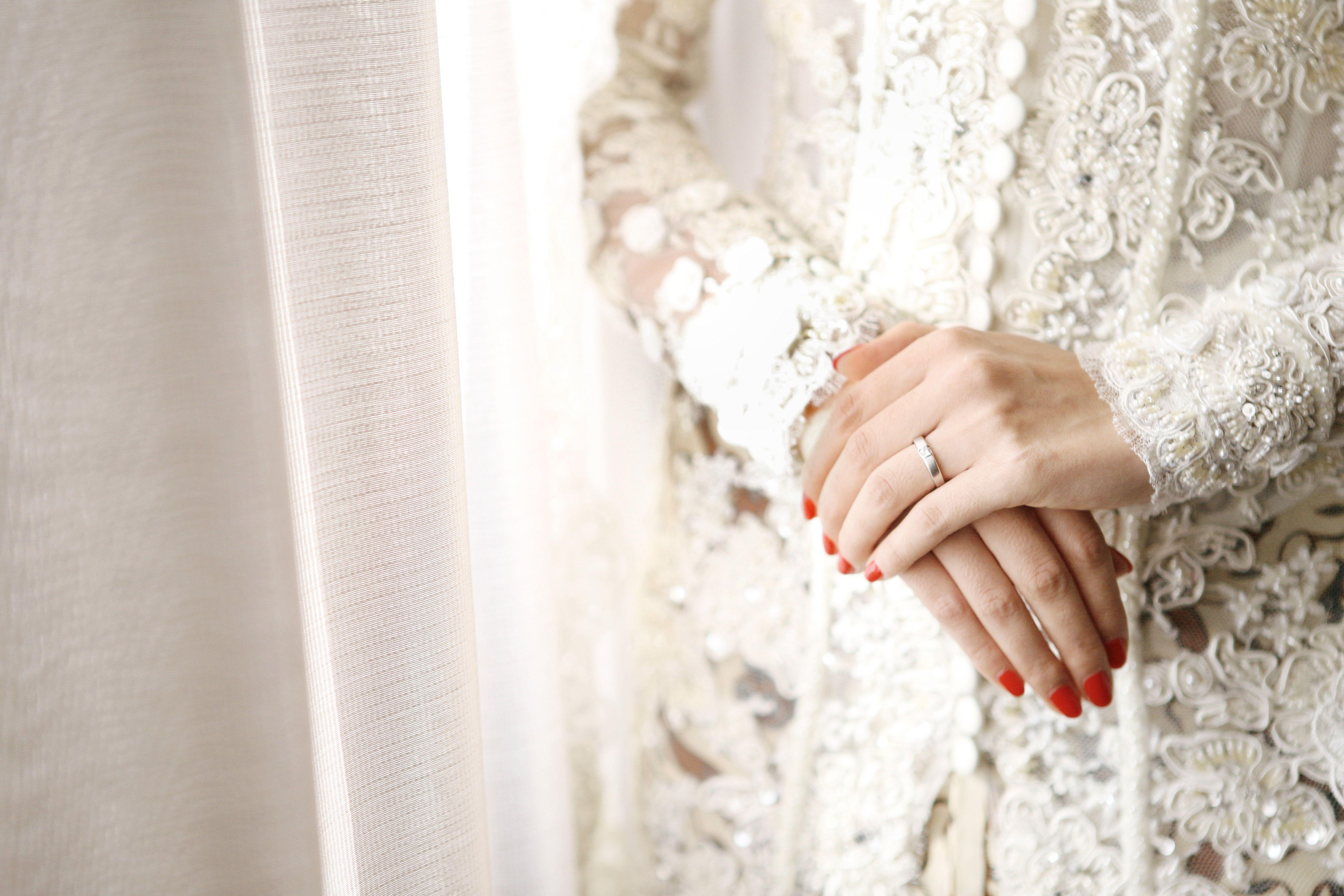 Checklist Foto Pernikahan: Momen Mempelai Wanita yang Wajib Dikenang Image 5