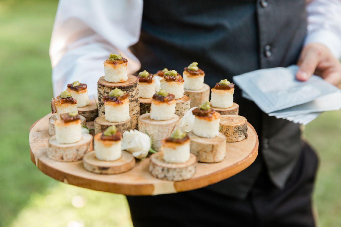 Wedding Shot List: Scrumptious Food and Delightful Drinks Image 4