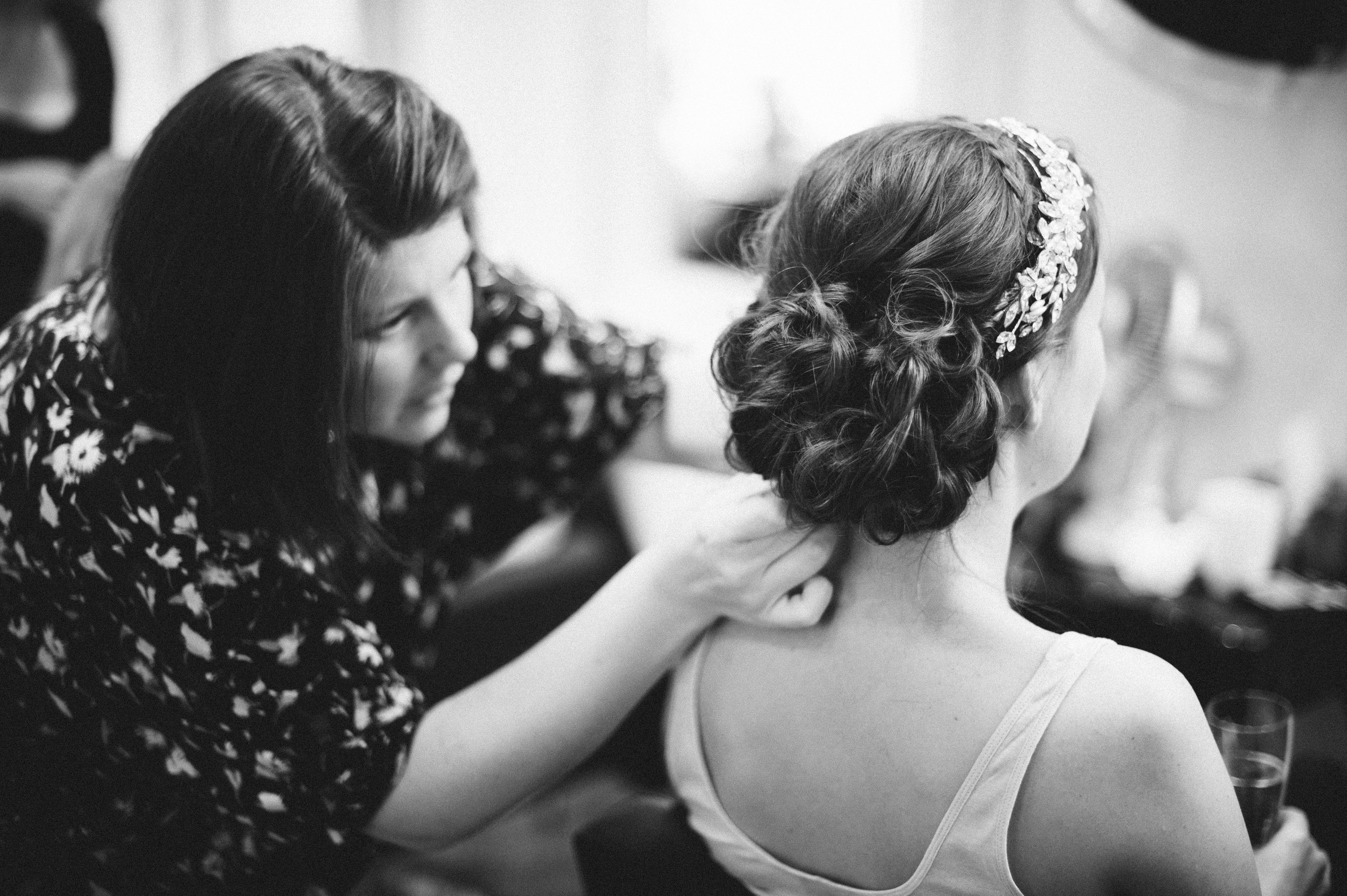 How to Choose the Right Hairstyle for Your Wedding Day Image 11