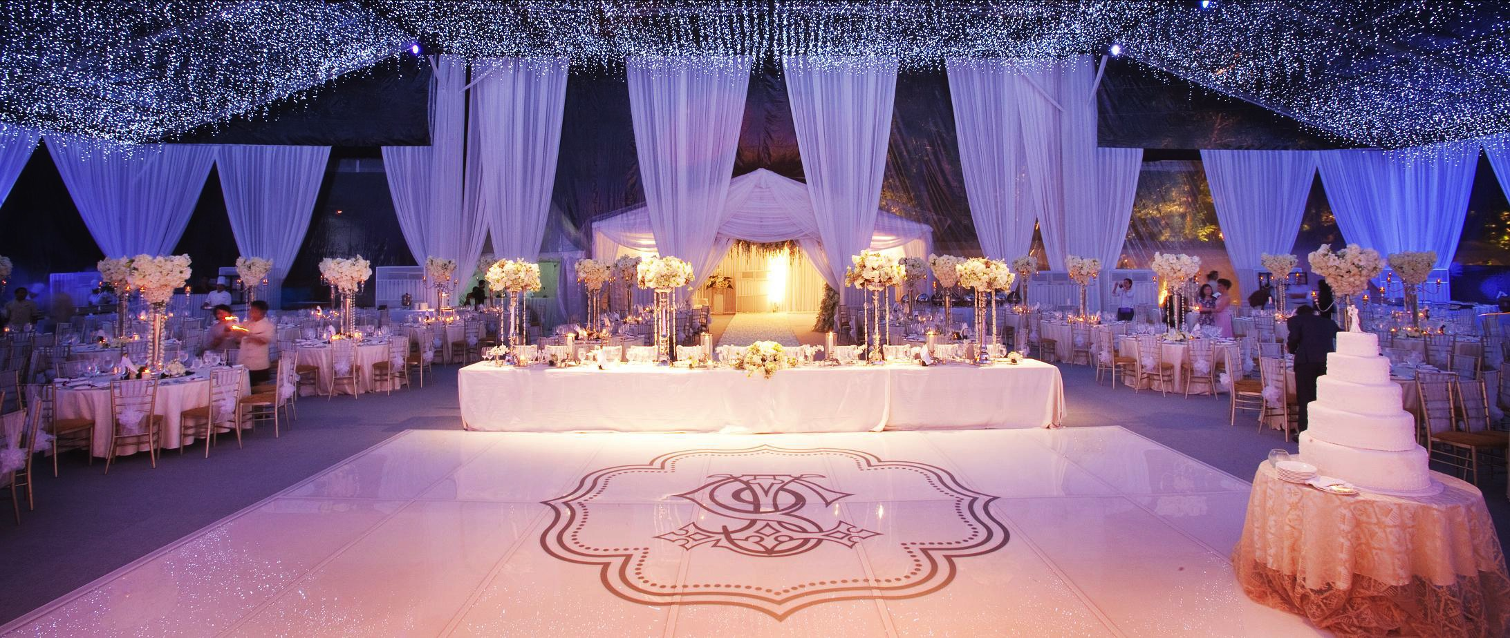 Dining under a thousand stars by flora lines decoration bridestory junglespirit Image collections