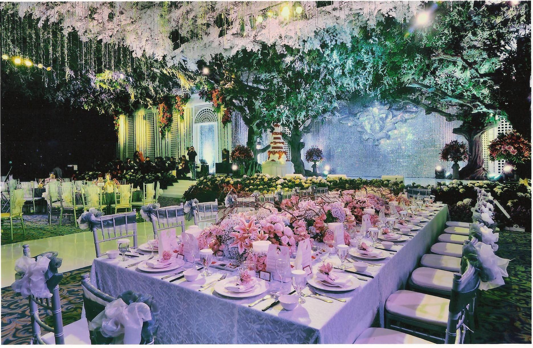 Wedding decoration surabaya grand city by suryanto decoration wedding decoration surabaya grand city by suryanto decoration bridestory junglespirit Choice Image