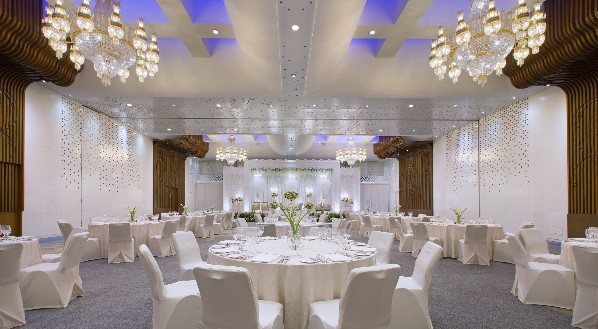 Mandarin oriental jakarta wedding venue in jakarta bridestory junglespirit Choice Image