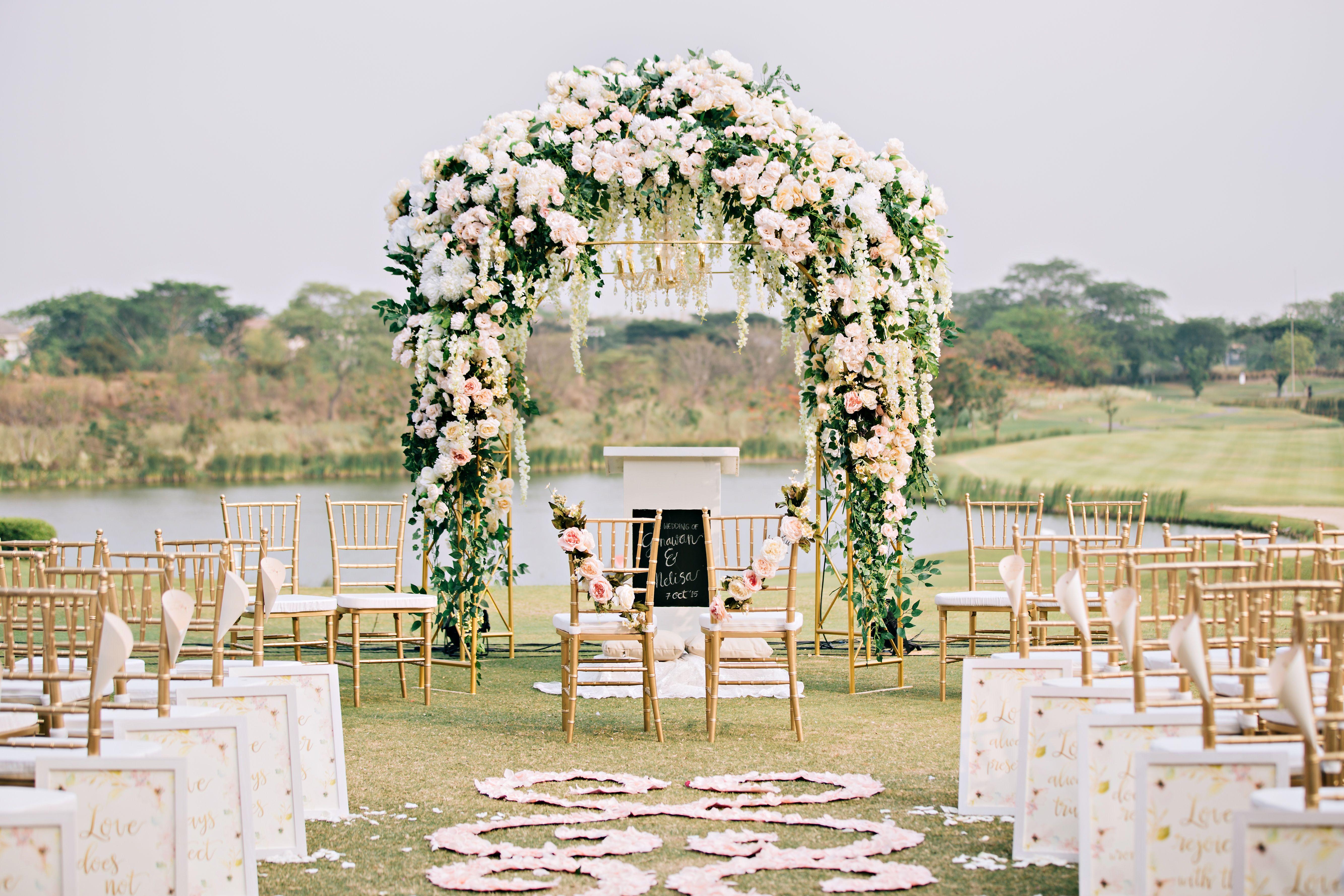 Eden design wedding decoration lighting in surabaya eden design wedding decoration lighting in surabaya bridestory junglespirit Images