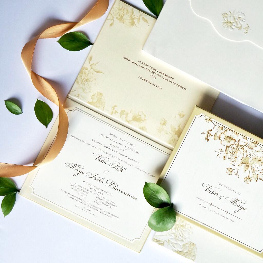 Vintage Roses By Artic Wedding Invitation Bridestory Com