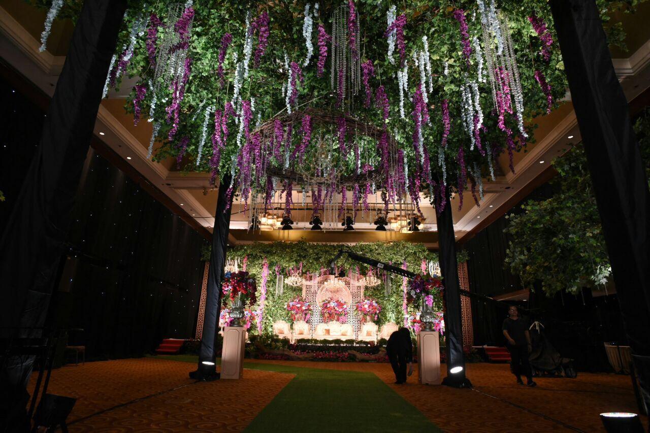 Bonzai decoration wedding decoration lighting in jakarta bonzai decoration wedding decoration lighting in jakarta bridestory junglespirit Gallery