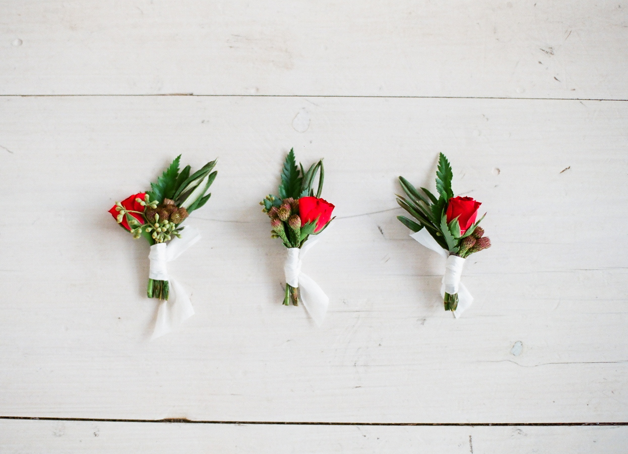 All You Need to Know About Boutonnieres and Corsages Image 4