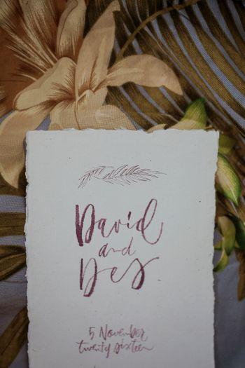 pernikahan-tropis-bernuansa-burgundy-di-mokuleia-hawaii-1