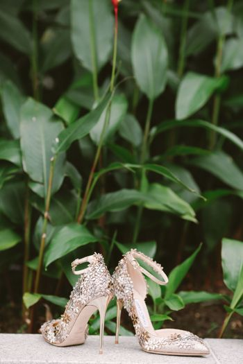 a-vintage-inspired-outdoor-wedding-with-rustic-details-1
