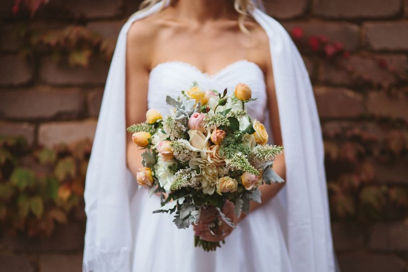 one-couples-autumnal-wedding-in-berrima-australia-1