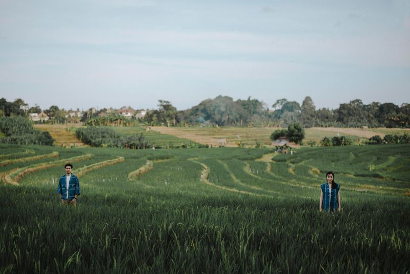a-free-spirited-engagement-session-in-ubud-bali-1