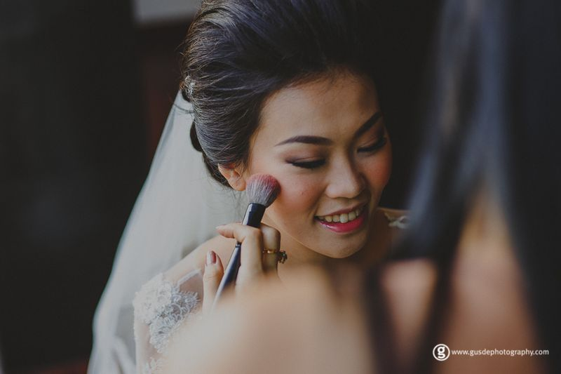 intimate-rustic-wedding-with-fairy-lights-in-bandung-1