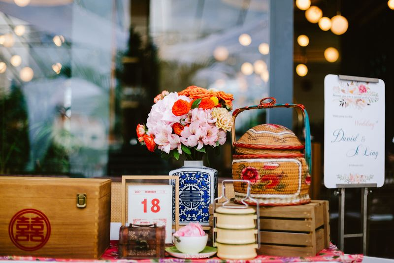 an-intimate-wedding-with-peranakan-details-in-singapore-1