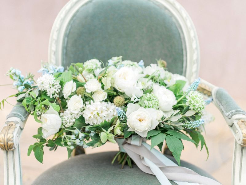 10-beautiful-flowers-to-adorn-your-summer-wedding-1