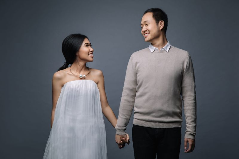 a-minimalistic-pre-wedding-shoot-with-clean-aesthetics-1