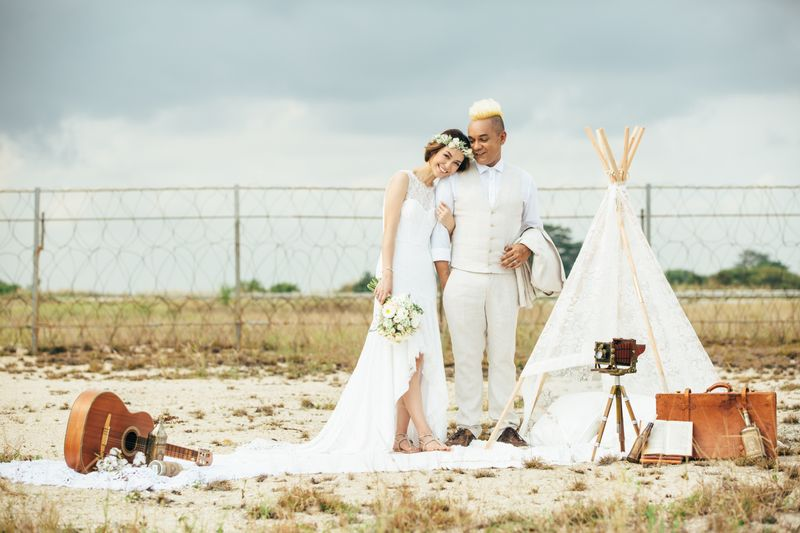 jazz-up-your-pre-wedding-shoot-with-a-teepee-1