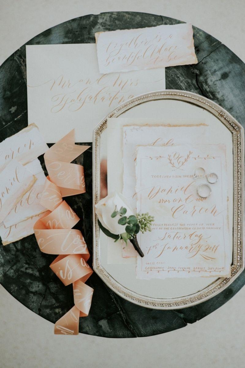 pernikahan-bernuansa-putih-dengan-sentuhan-emas-di-bali-1