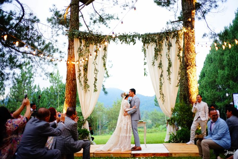 the-first-look-of-andien-and-ippes-beautiful-wedding-video-1