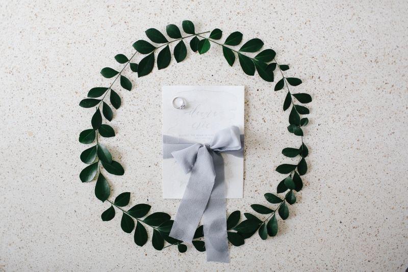 a-modern-alfresco-wedding-with-monochromatic-shades-1