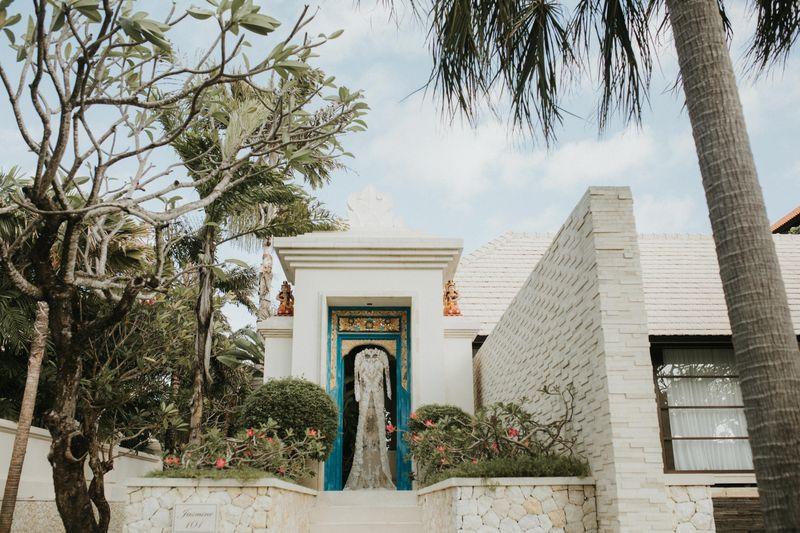 pernikahan-tradisional-bernuansa-botanikal-di-nusa-dua-bali-1