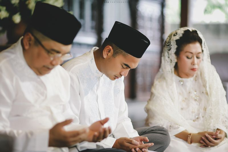an-eclectic-bohemian-javanese-wedding-at-borobudur-temple-1