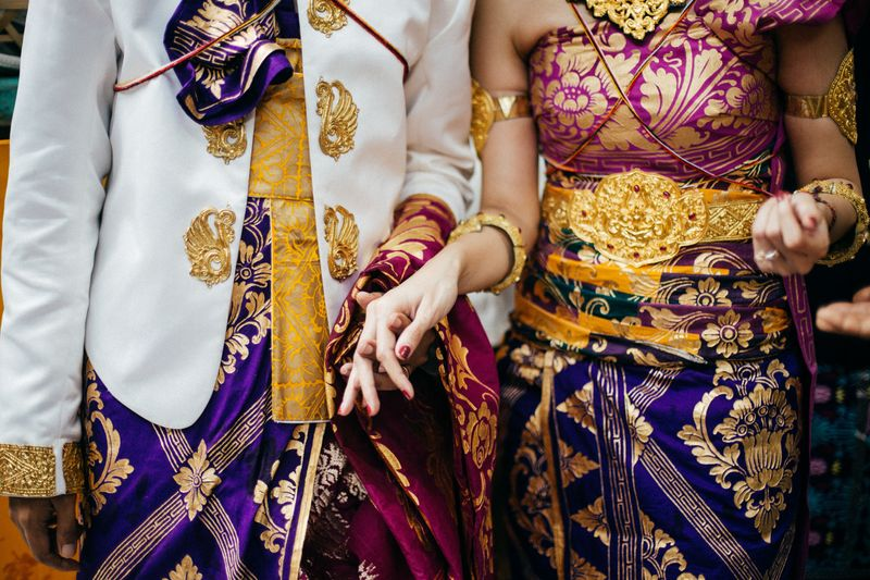 a-traditional-balinese-wedding-with-colorful-details-1