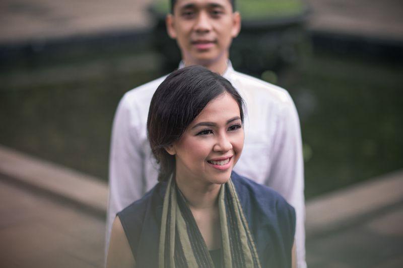 an-adventurous-couples-outdoor-pre-wedding-shoot-1
